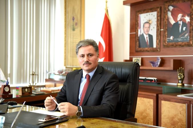 Ahmet Çakır kimdir?