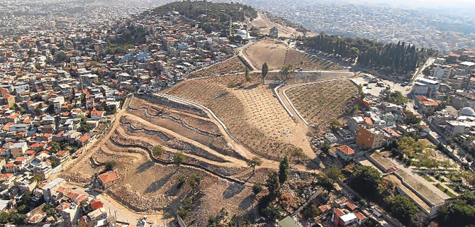 İzmir'de 313 bin binanın yenilenmesi şart!
