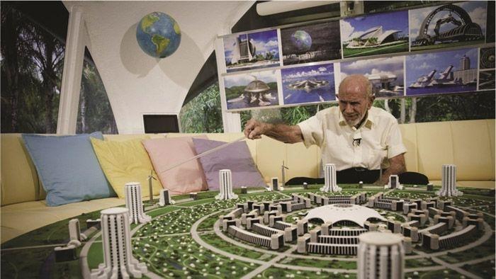 Jacque Fresco, ünlü Venüs Projesine 21 dönüm arazi aldı!