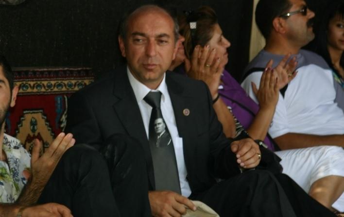 Mustafa Erdem kimdir?