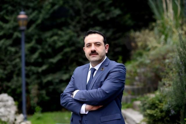 Mustafa Hakan Özelmacıklı kimdir?