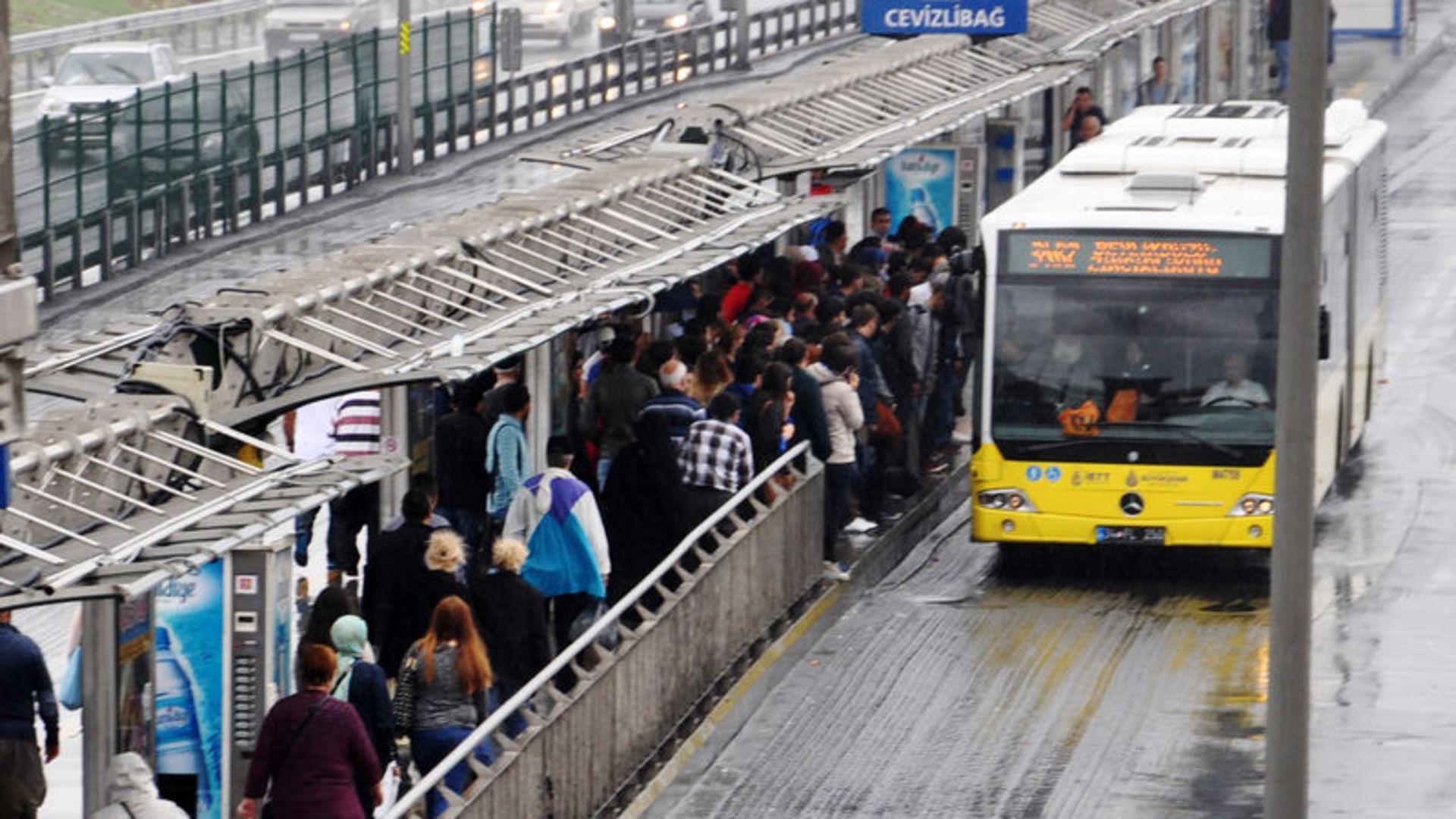 Silivri'ye metrobüs geliyor!